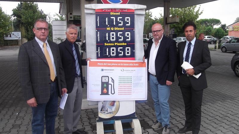 Caro benzina: Federcontribuenti e Unionliberi lanciano proposte per abbassare il prezzo