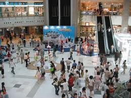 Commercianti: l'incubo dei centri commerciali
