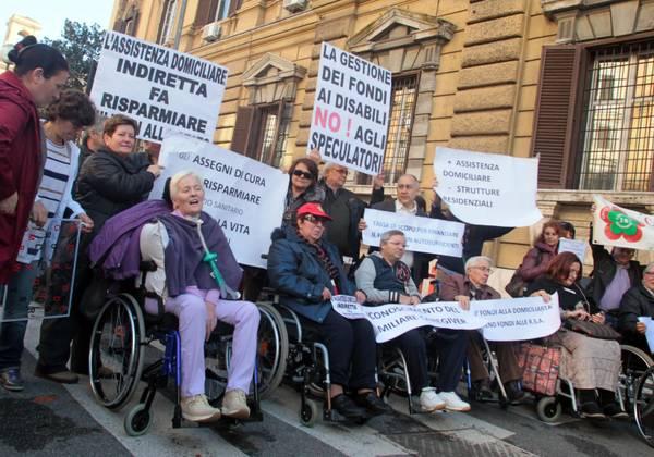 SLA: AL VIA PROTESTA MALATI, 'PRONTI A MORIRE'