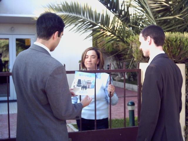 Stritolato da banca e Testimoni di Geova ferrarese finisce in mezzo alla strada