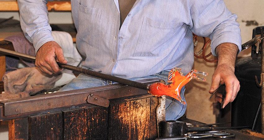 Vetro Murano, tra contraffazione e concorrenza sleale è un'arte in estinzione