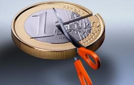 """Spalmare i 200 miliardi di euro dei crediti in sofferenza mentre dilaga l'allarme, """"vendete tutto"""""""