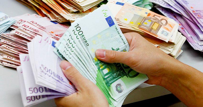 Banche, fisco, burocrazia: la triade degli scandali