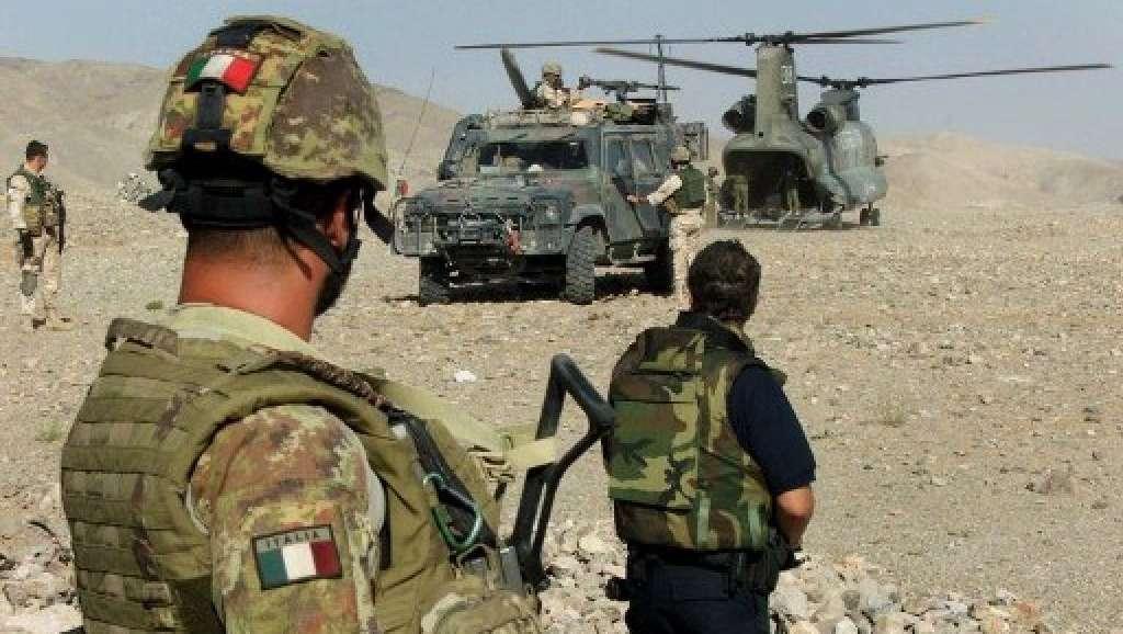 """300 milioni di euro in missioni di guerra, """"e ci chiedono di andarne fieri"""""""