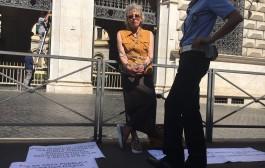 """Nadia 17 anni dietro le sbarre mafiose e la """"mia condanna sembra senza fine""""."""