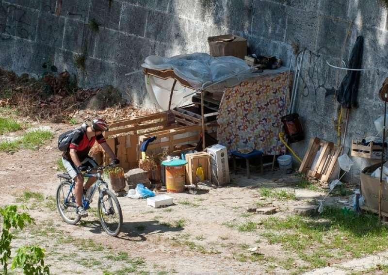 Emergenza casa. In Italia 6 mila paesi abbandonati e un mancato guadagno pari a 8 mrd di euro.