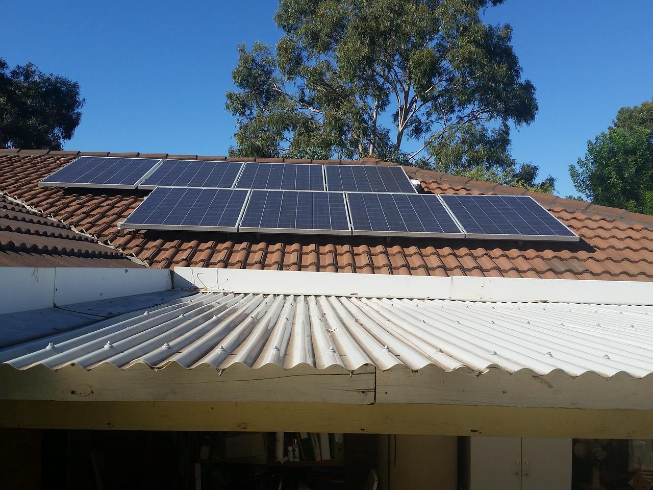 """Attenzione, quello che segue è un messaggio truffa: """"fotovoltaico, indipendenza energetica a soli 98 euro al mese"""""""