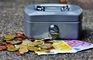 Frena la fiducia nelle banche, calano gli obbligazionisti e si premia il materasso